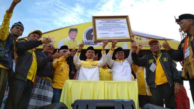 Calon Gubernur dan Wakil Gubernur Sulawesi Selatan nomor urut 1, NH-AZIZ berjanji akan memperjuangkan Pembentukan Provinsi Luwu Raya. Janji untuk pembentukan Provinsi Luwu Raya diperlihatkan dengan menandatangani naskah Deklarasi Palopo tentang percepatan pembentukan Provinsi Luwu Raya.
