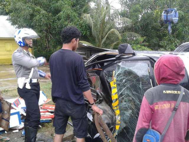 Kondisi mobil Daihatsu Grandmax Pick Up DP 8687-AF terbalik di jalan poros Pammanu, Kecamatan Belopa Utara, Kabupaten Luwu, Provinsi Sulsel, Sabtu (21/7/2018) pagi lalu, sekitar pukul 06:00 Wita.