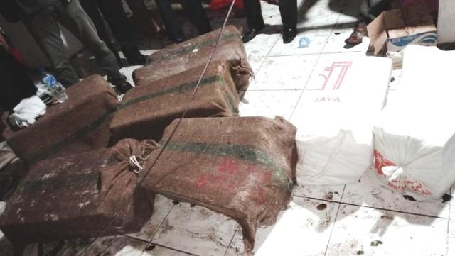 Uang Rp 30 Miliar yang diselamatkan dari kapal KM Lestari Maju (Taufiq-detikcom)