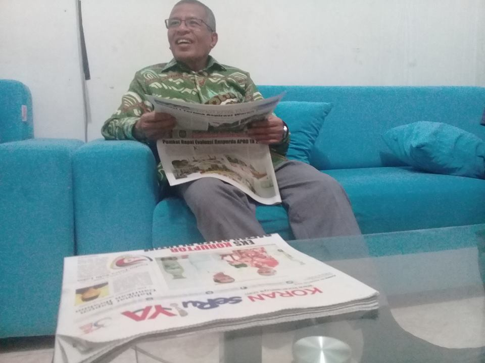 Anggota DPR RI, Abubakar Wasahua saat bertandang ke redaksi Koran SeruYA