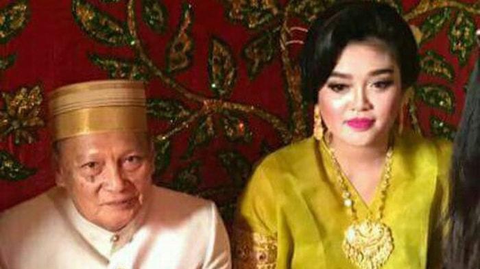Pasangan Tajuddin Kammisi dan Andi Fitriyani saat menikah 2017 lalu