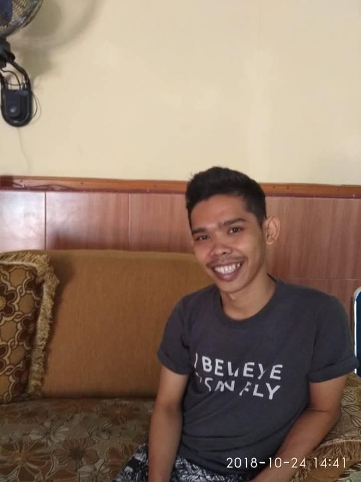 Istri Baharudding saat ditemui di Hotel Subur, Belopa, Kabupaten Luwu
