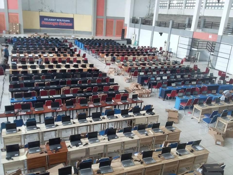 Persiapan di Gedung Kesenian Palopo sebagai tempat tes pelamar CPNS 2018