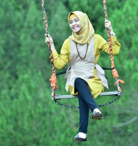 Citra Novita Anggelia Putri menjadi salah satu pramugari di pesawat nahas Lion Air JT-610 yang jatuh di Karawang, Jawa Barat, Senin (29/10) pagi. Citra merupakan alumni Sekolah Tinggi Teknologi Kedirgantaraan Yogyakarta.