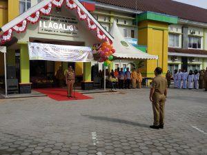 Bupati Lutim, HM Thoriq Husler menyampaikan amanat selaku pemimpin upacara peringatan satu dasawarsa RSUD I Lagaligo