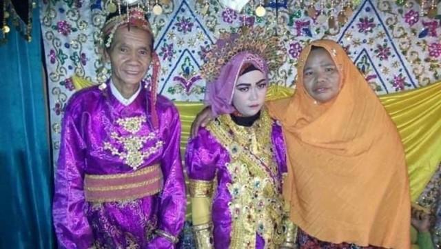 Perkawinan beda usia puluhan tahun terjadi. Kali ini terjadi di Sinjai, Sulawesi Selatan. Seorang kakek usia 75 tahun menikahi gadis berusia 18 tahun. Sang kakek melamar gadis ini dengan mahar Rp 25 juta dan sebuah kebun cengkeh.