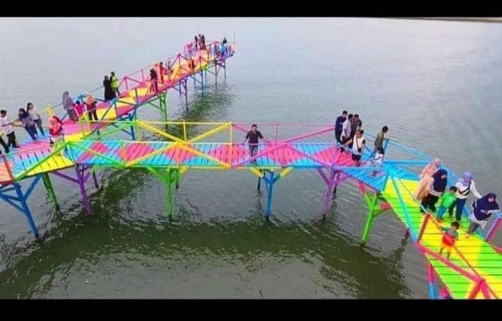 Jembatan Pelangi di Desa Senga, Luwu.