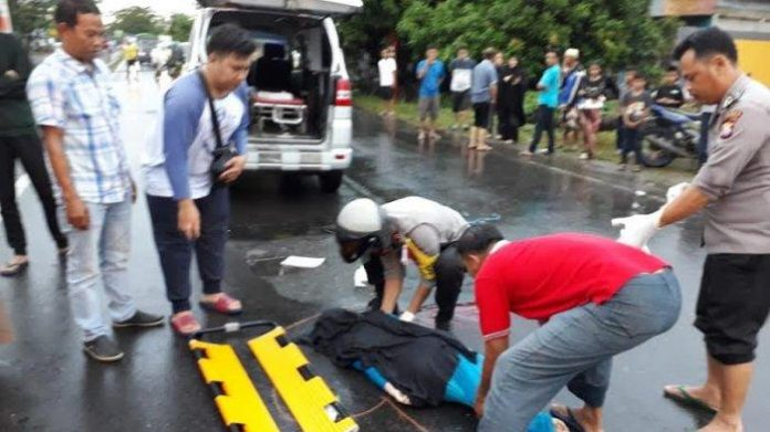 Evakuasi korban yang dilakukan Polres Pangkep