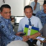 Wakil Bupati Luwu Bagikan Aplikasi Pajak Online