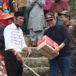 Kunker di Daerah Terpencil, Bupati Luwu Salurkan Bantuan Rawan Pangan