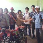 Aspirasi Saat Reses, Fadriaty AS Bagi-bagi Traktor di Luwu
