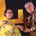 Bupati Luwu Timur Terima Penghargaan Kabupaten Layak Anak