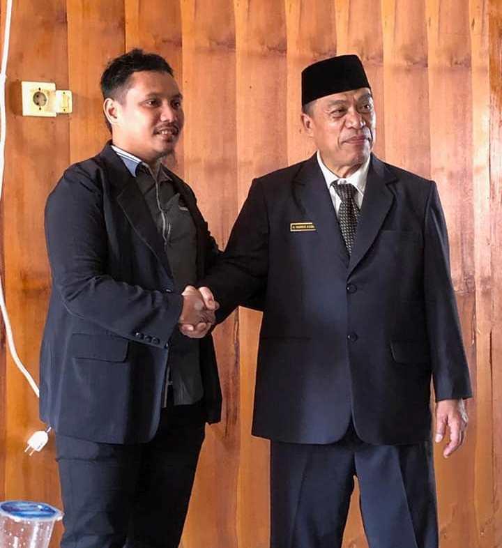 Tak Terpilih Lagi, Tomakaka Masamba Tetap Hadir di Pelantikan Anggota DPRD...