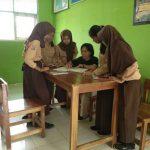 Begini Cara Siswa SMPN 14 Palopo Manfaatkan Perpustakaan Sekolah