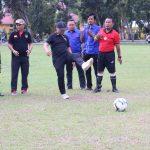 Semarak HUT Kemerdekaan, Kecamatan Kalaena Gelar Turnamen Bola