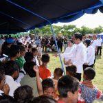 Presiden Jokowi Tinjau Posko Pengungsi Pascagempa di Ambon