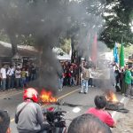 Tuntut Pemekaran Luwu Tengah,  Mahasiswa Blokade Trans Sulawesi... Macet Parah