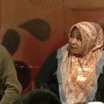 Video: Lantunkan 'Penipu Hati' Ibunda Ainun Menangis di Acara Nobar Ini