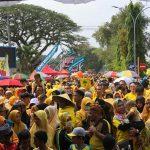 Puluhan Ribu Warga Meriahkan Jalan Santai HUT Golkar di Lutra