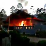 Nekad Silariang dengan Janda, Rumah Pria ini Dibakar