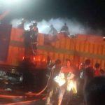 Video Truk Terbakar Depan SPBU Salubulo Palopo, Warga Histeris Panggil Pemadam