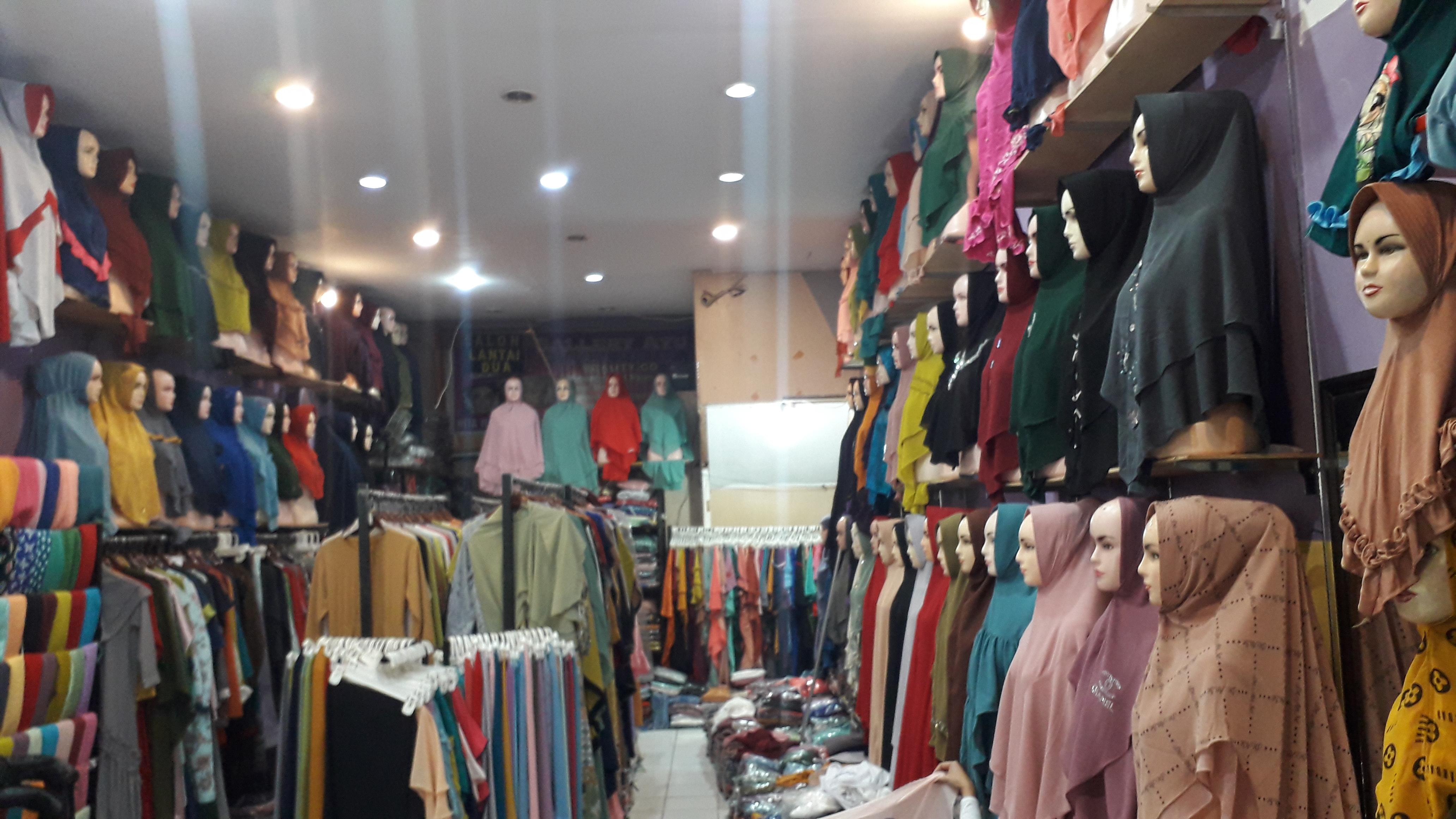 Ayu Fashion Siapkan Busana Muslim Desain Suka Suka Desain toko busana muslim